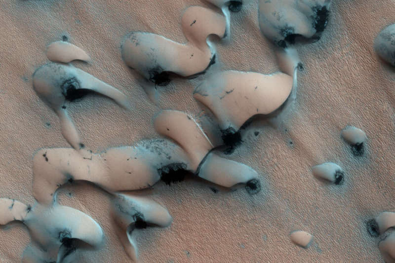 Sand Dunes Thawing on Mars