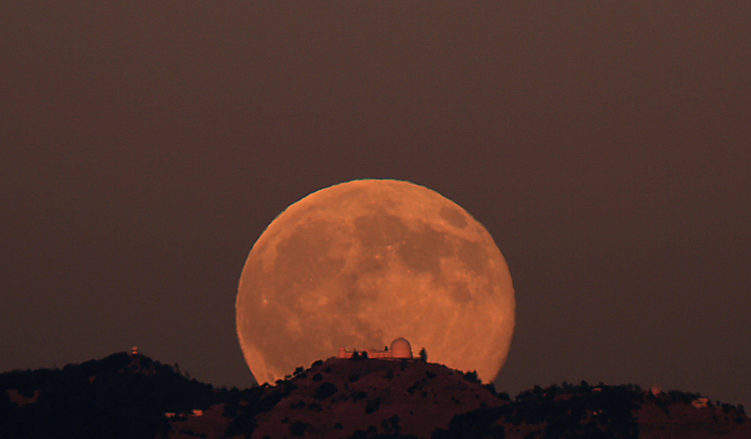 Supermoon Vs Full Moon >> Lick Observatory Moonrise