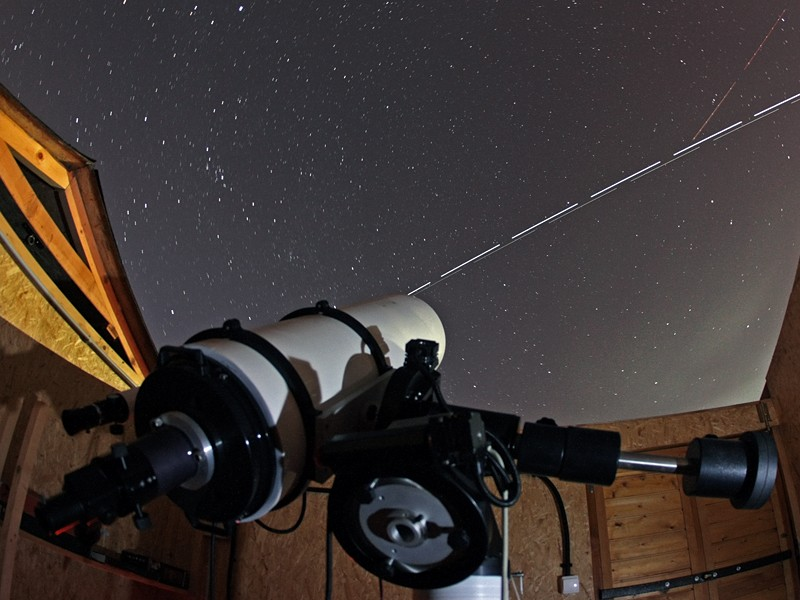 100 Hours of Astronomy Begins