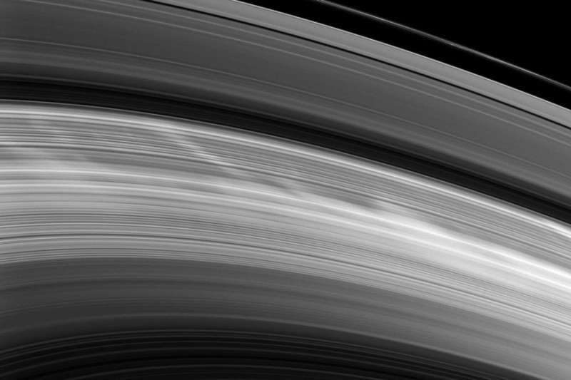 Spokes Reappear on Saturns Rings