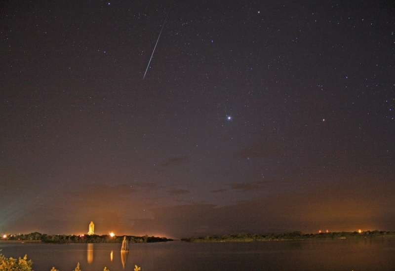 Shuttle and Meteor