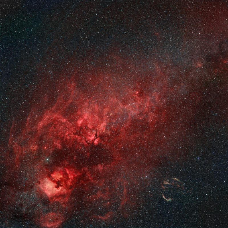 Nebulae in the Northern Cross