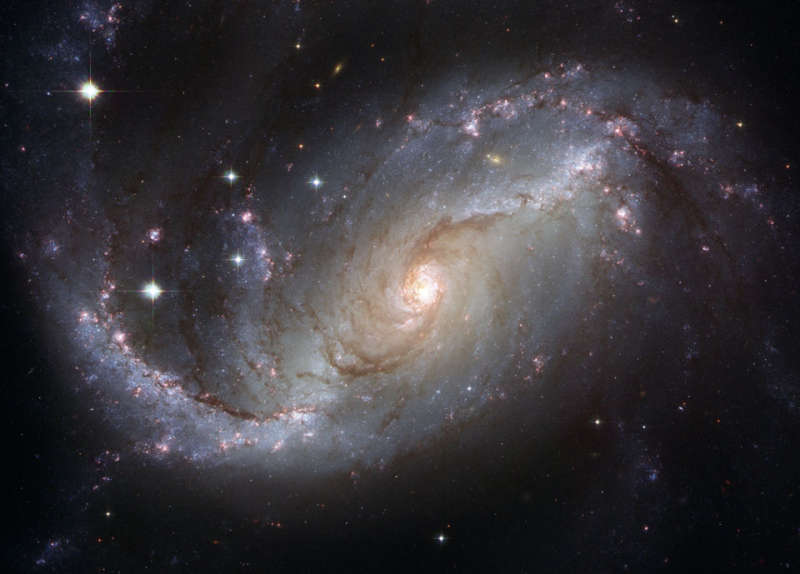 Spiral Galaxy NGC 1672 from Hubble