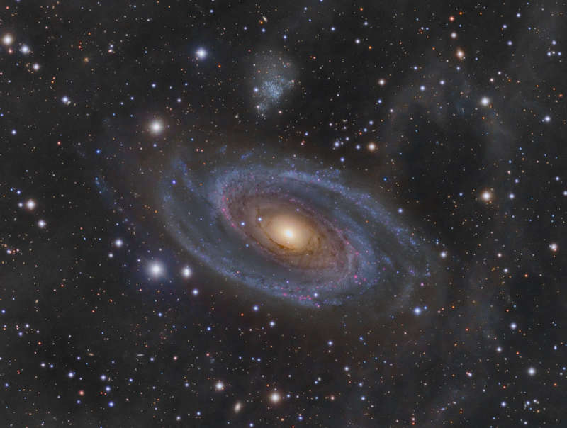 Grand Spiral Galaxy M81 and Arps Loop