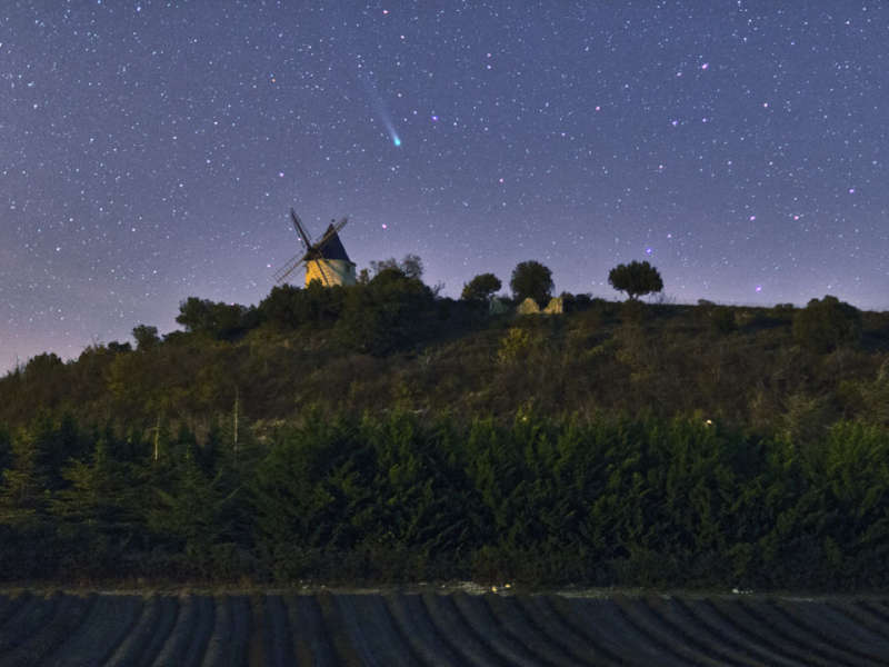 Comet Lovejoy over a Windmill