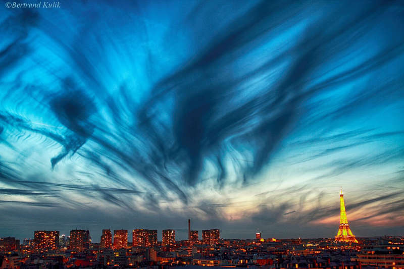 Cirrus over Paris