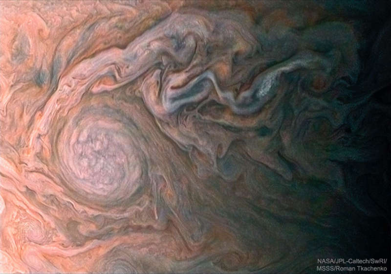 A White Oval Cloud on Jupiter from Juno
