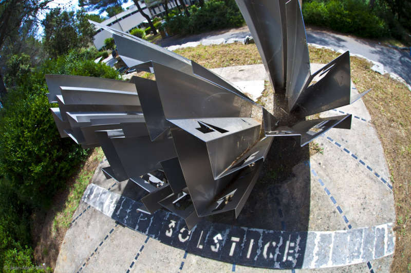 A Sundial that Shows Solstice