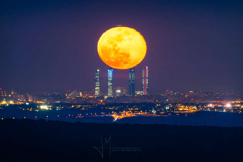 Four Towers and the Equinox Moon