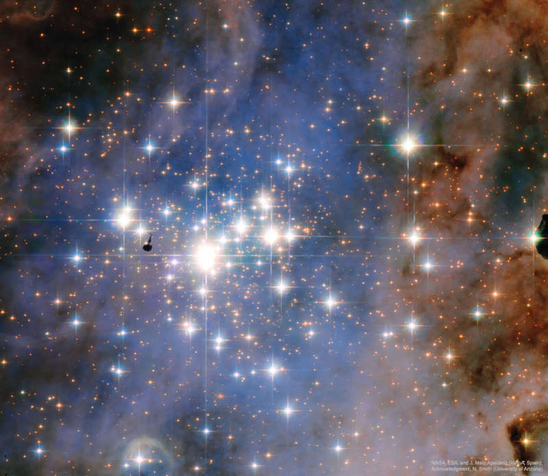Young Star Cluster Trumpler 14 from Hubble