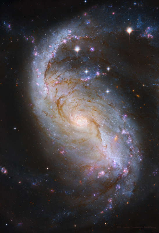 NGC 1672: Barred Spiral Galaxy from Hubble