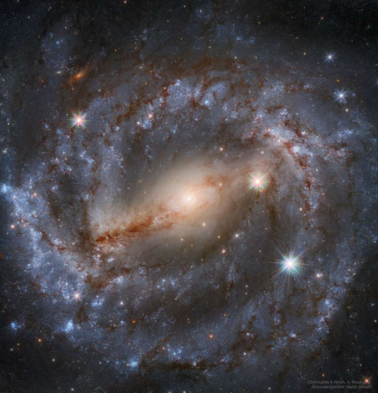 NGC 5643: Nearby Spiral Galaxy from Hubble