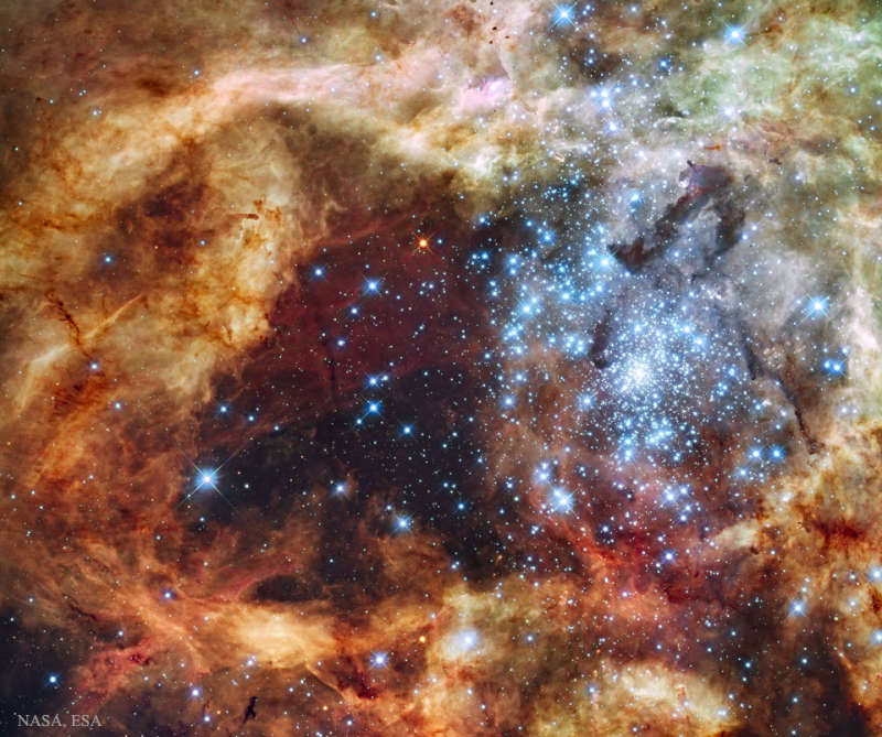 Star Cluster R136 Breaks Out